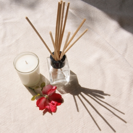 home-sweet-home-fragrance-gift-set-rose-candle-diffuser-rose-homeofjuniper