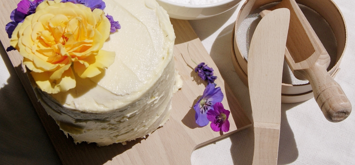 Bake How To Make A Beautiful But Simple Real Flower Cake Home Of