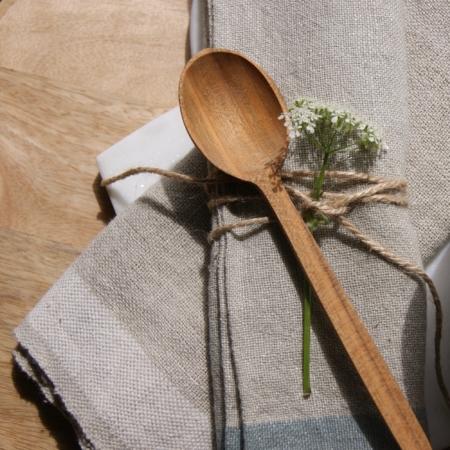 small-cherry-wood-spoon-fairtrade-napkins-cowparsley-homeofjuniper
