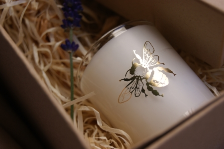 bumblebee-bee-candle-scented-natural-cruelty-free-homeofjuniper