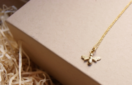 gold-plated-bee-necklace-made-cornwall-uk-homeofjuniper-jewellery-necklace