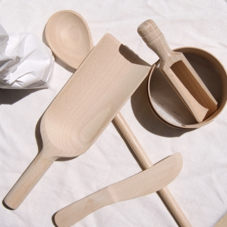 sustainable-extra-large-scoop-beech-wood-bake-knife-sieve-cake-homeofjuniper