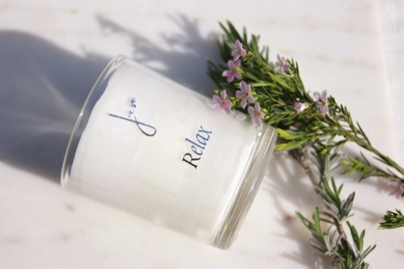 relax-lavender-geranium-scented-candle-banner-flowers