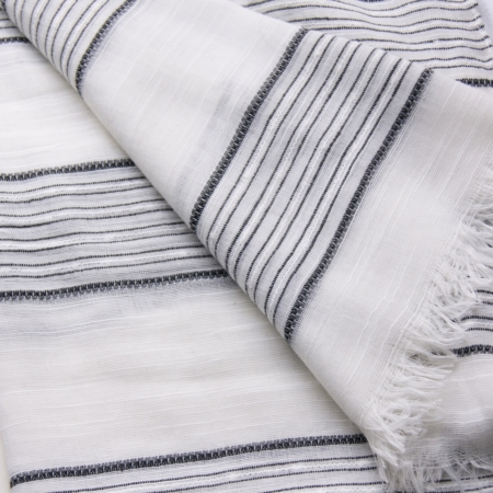 scarf-white-navy-blue-home-of-juniper-accesspries.