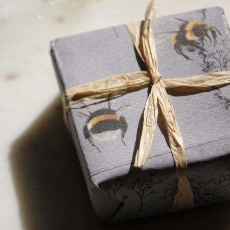 large-bumblebee-soap-lime-basil-mandarin-lajuniper