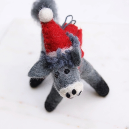 christmas-donkey-felt-decoration-homeofjuniper.