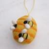felt-bumblebee-decoration
