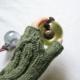 green-mittens-glass-bauble