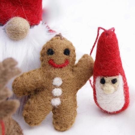 sq-mini-santa-gingerbread-man-felt-decorations-homeofjuniper-christmas