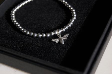 beaded-bee-bracelet-boxed-homeofjuniper