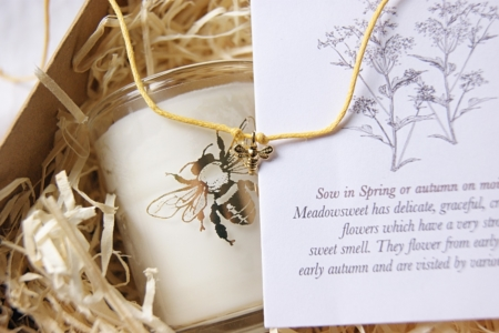bee-gift-set-charity-candle-seeds-bracelet-wrapped