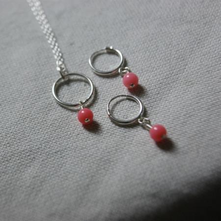 coral-hoop-earrings-necklace-jewellery-lajuniper