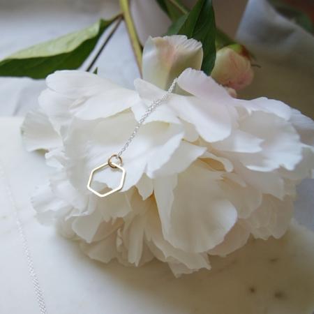 peony-hexagonal-brass-necklace-lajuniper