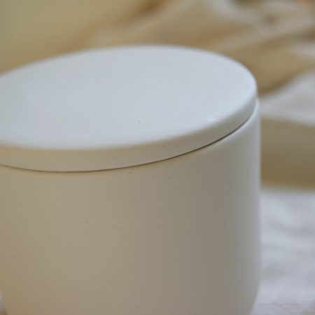 earthenware-white-lidded-pot