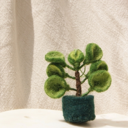 fair-trade-felt-decoration-succulent