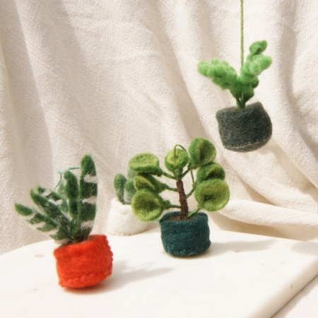 fair-trade-felt-decoration-succulents-hanging