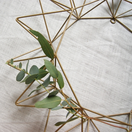 eucalyptus-metal-wreath-lajuniper.