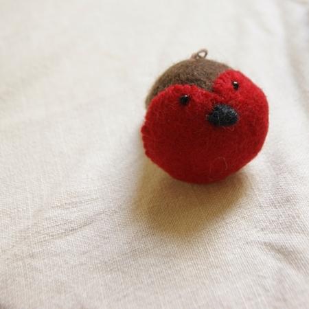 felt-fairtrade-heart-robin-christmas