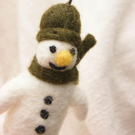 felt-fairtrade-mini-snowman-lajuniper
