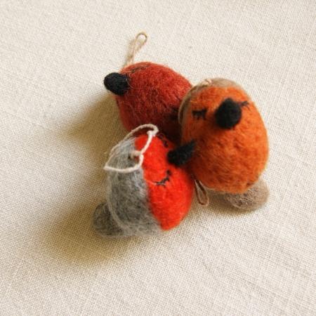 trio-whimiscal-felt-robin-decoratio