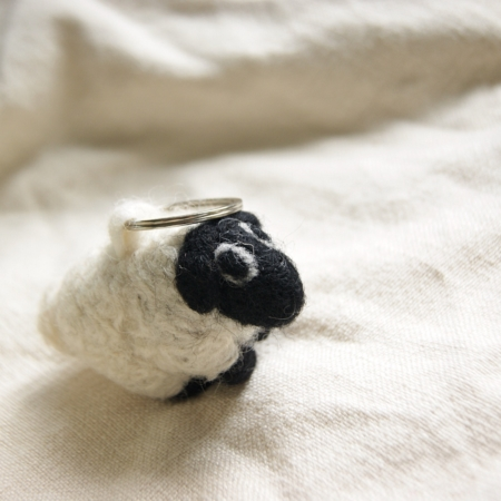 fair-trade-felt-sheep-keyring