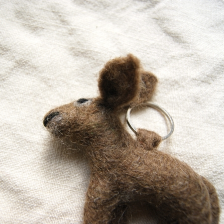 fairtrade-felt-hare-keyring
