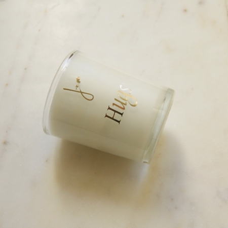 hugs-candle-handpoured