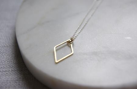 brass-diamond-necklace