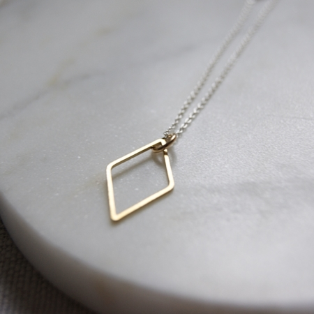 brass-diamond-necklace