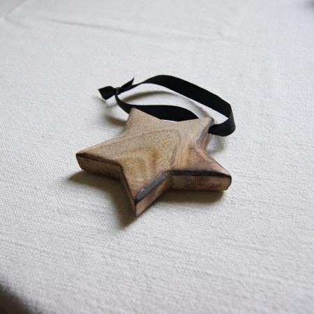 fair-trade-wood-star-decoration