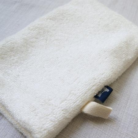soft-bamboo-shower-mitt