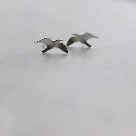 silver-seagull-studs-made-cornwall