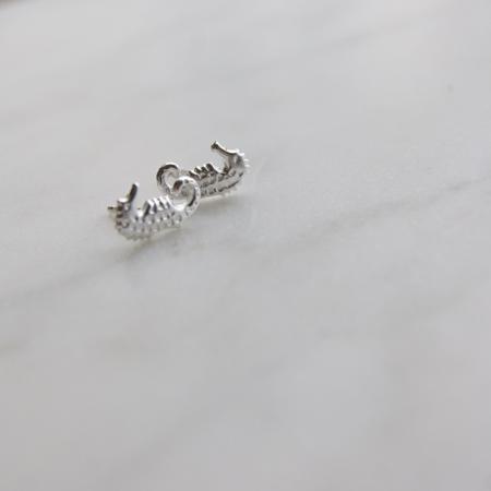 sterling-silver-seahorse-earrrings-sq