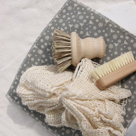cotton-reusable-wipes-bathpuff-nailbrush-pot-brush-sustainable-living